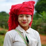 美しいミャンマーの女性たちを撮りました(Sony α7+SEL55F18Z)