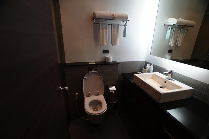 S スクンビット スイーツ ホテル(トイレ)