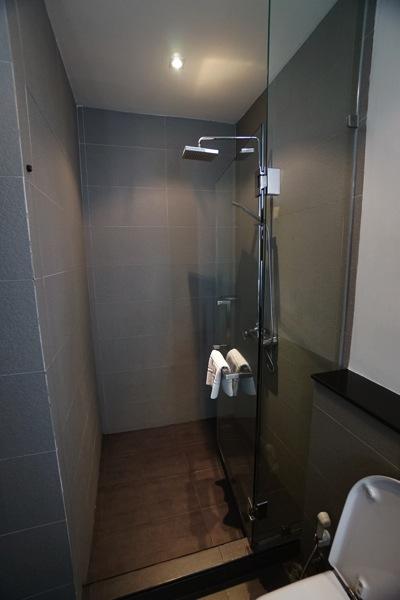 S スクンビット スイーツ ホテル(シャワー)