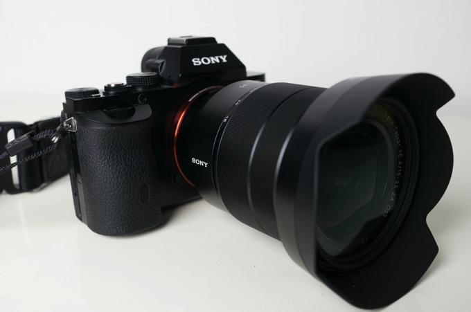 SEL1635Z(Vario-Tessar T* FE 16-35mm F4 ZA OSS)の外観