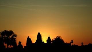 アンコール・ワットで綺麗な朝日を見るなら時期と天気が大事