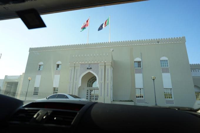 オマーン UAE ドバイ 国境手続き 国境越え レンタカー ビザ