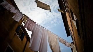 海外旅行中のおすすめ洗濯グッズ!洗濯バサミ不要で干せるロープ