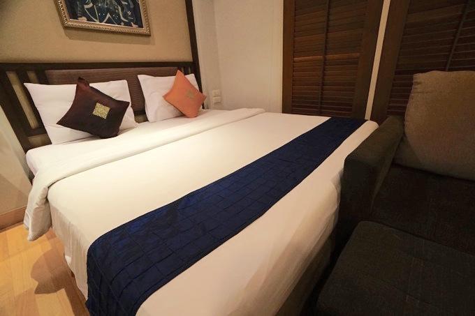 バンコク アソーク ソイカウボーイ ホテル