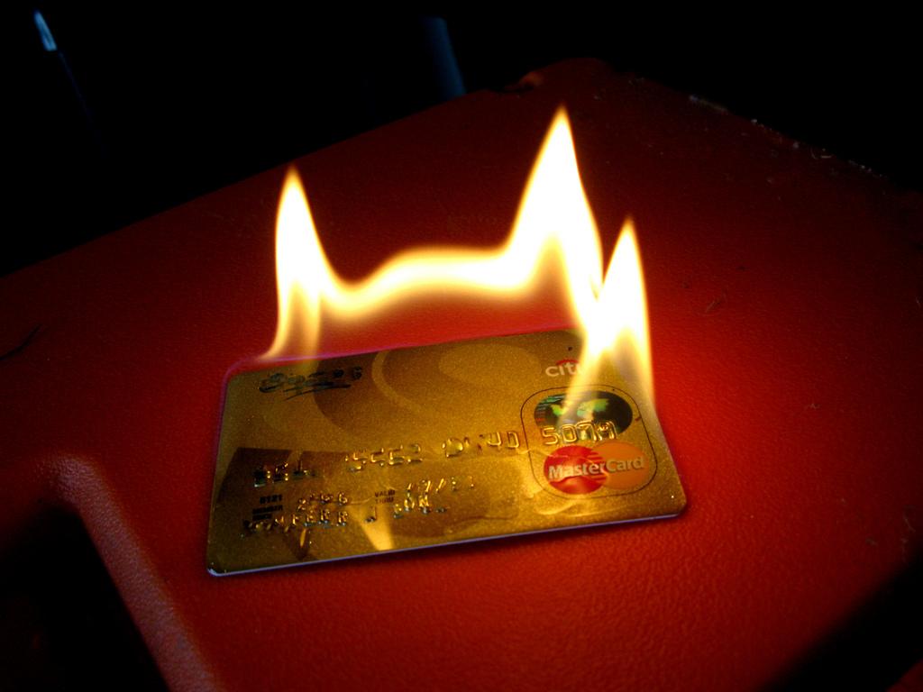 クレジットカード 不正利用