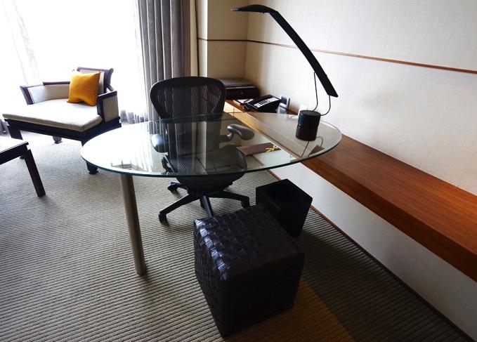 ザ・リージェントホテル台北(台北晶華酒店)の机